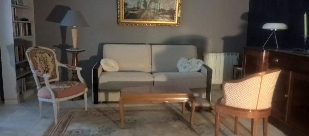Location meublé T2 GERMONT pour cure à Amélie les Bains - grand séjour style